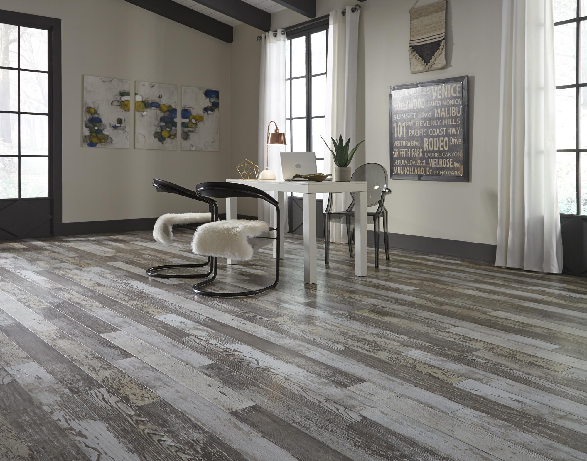Lumber Liquidators Vp Talks Flooring, White Laminate Flooring Lumber Liquidators